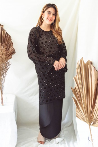 Azura Kurung In Black