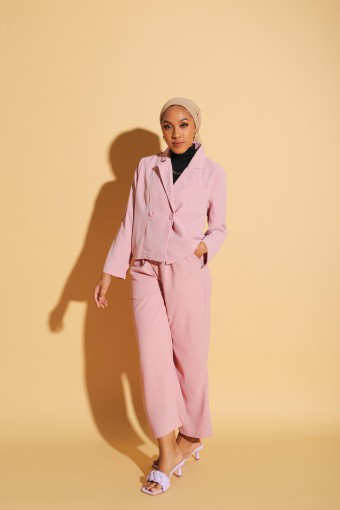 Nikki Suit In Blush Pink