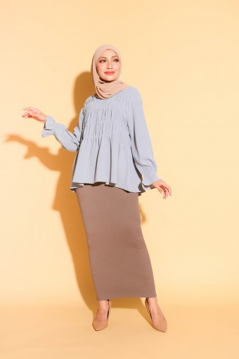 Gabby Top In Pigeon Blue