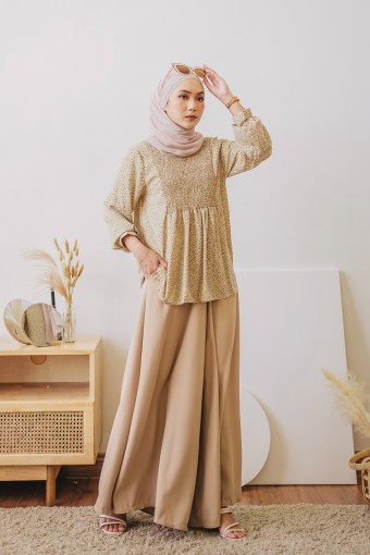 Herlina Top In Beige